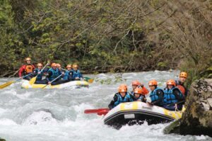 Cuál es la mejor empresa de Asturias para hacer rafting - Los Cauces Multi Aventura