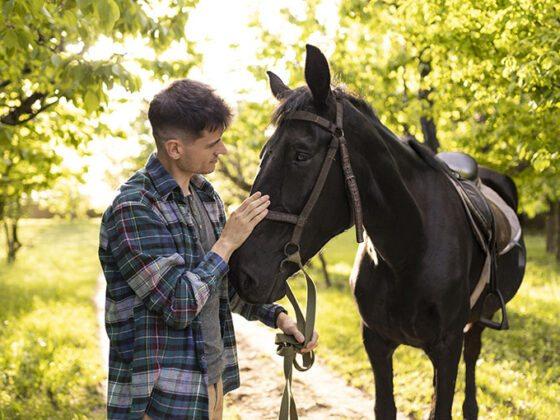 Montar a caballo en Asturias con Los Cauces MultiAventura.
